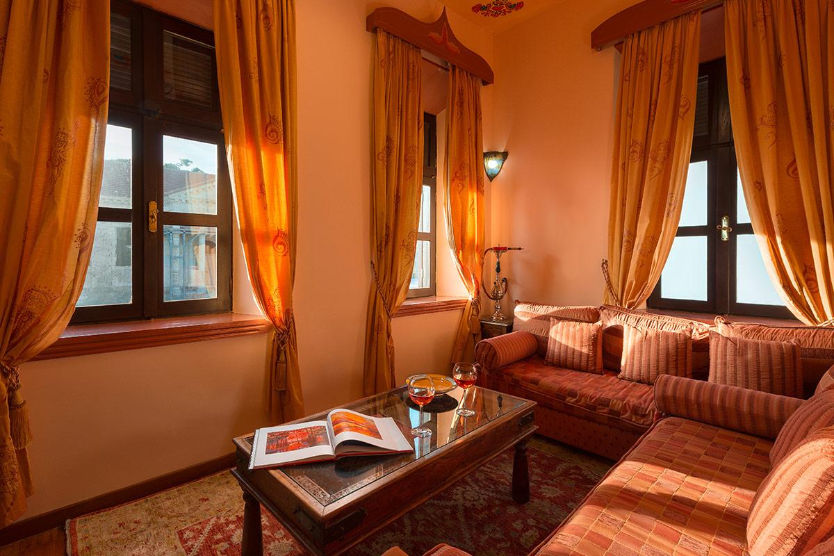 Nikos Takis Hotel - King Suite Tzami